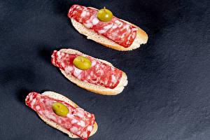 Hintergrundbilder Butterbrot Wurst Oliven Drei 3 Salami