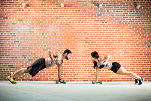 Hintergrundbilder Fitness Mann Wände 2 Hantel Aus backsteinen Trainieren Sport Mädchens