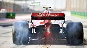 Bureaubladachtergronden Formule 1 Achteraanzicht Een wiel Rook Sauber C37 Auto