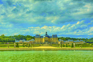 Images France Castle Rivers Parks HDRI Chateau de Vaux