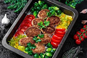 Bilder Fleischwaren Frikadelle Gemüse Dill Tomaten Knoblauch Geschnittenes
