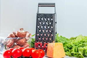 Bilder Pilze Tomate Käse Grauer Hintergrund