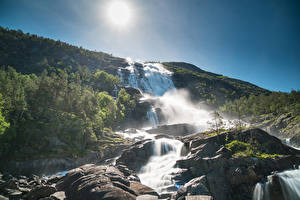 Fotos Norwegen Wasserfall Hügel Sonne Uskedal Hordaland Fylke Natur