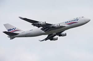 Fotos Verkehrsflugzeug Boeing Seitlich 747-400F, Silk Way West Airlines