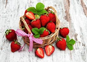 Bilder Erdbeeren Weidenkorb