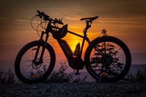 Wallpapers Sunrises and sunsets Bike