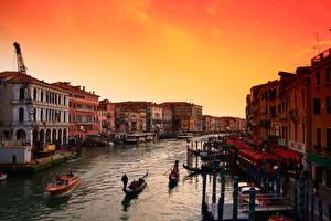 Bilder Morgendämmerung und Sonnenuntergang Italien Boot Venedig Kanal Städte