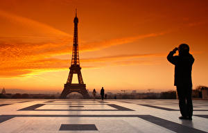 Image Sunrises and sunsets People Evening Paris Eiffel Tower Cities