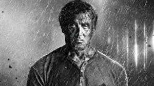 Papel de Parede Desktop Sylvester Stallone Chuva Preto e branco Rambo 5 Last Blood Filme Celebridade