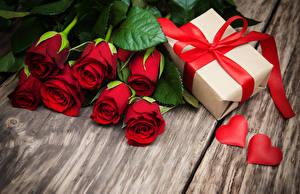 Fondos de escritorio Ramos Rosa Día de San Valentín Regalos Lazo Corazón Rojo Flores