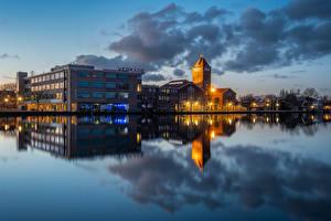 Fotos Abend Niederlande Spiegelung Spiegelbild Zaandam, Royal Verkade