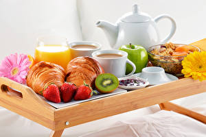 Wallpaper Juice Croissant Strawberry Kiwifruit Apples Coffee Breakfast Tray Food