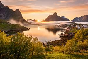 Hintergrundbilder Lofoten Norwegen Landschaftsfotografie Berg Nebel Sonne Bucht Reine Natur