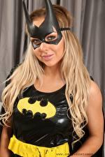 Bilder Maske Bethany M Only Batman Held Blond Mädchen Blick Latex junge frau