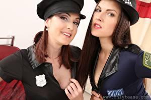 Fotos Petra Vachouskova Deny Moor Polizei Der Hut Blick Lächeln Zwei Braune Haare Mädchens