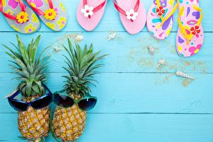 Pictures Pineapples Glasses Boards Flip-flops