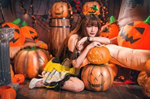 Fotos & Bilder Kürbisse Asiatische Halloween Braunhaarige Mädchens