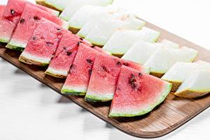 Desktop hintergrundbilder Wassermelonen Melone Geschnittene Schneidebrett das Essen
