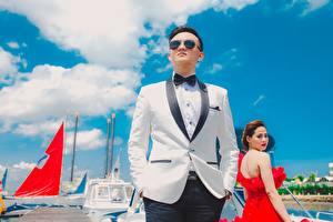 Bilder Asiatisches Mann Anzug Brille