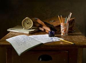 Bilder Uhr Wecker Handtasche Schule Stillleben Tisch Notizbuch Bleistifte