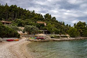 Bilder Kroatien Küste Bootssteg Sand Bäume  Natur