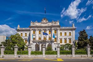 Hintergrundbilder Kroatien Palast Zaun Flagge Governor palace Rijeka Städte