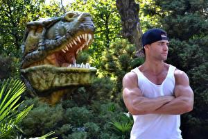 Picture Dinosaurs Sculptures Men Shrubs Head Baseball cap Sleeveless shirt Hands Muscle