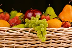 Picture Fruit Grapes Strawberry Wicker basket Food