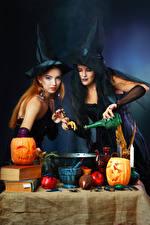 Hintergrundbilder Halloween Kürbisse Hexe Zwei Der Hut Hand Flasche Mädchens