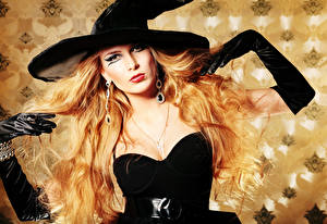 Wallpapers Halloween Witch Blonde girl Hat Earrings Glove Makeup Glance Girls