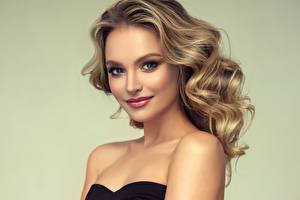 Bilder Model Lächeln Haar Blick Schöner Make Up Frisur junge frau