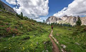 Hintergrundbilder Gebirge Gras Weg Reisender Gehen Natur