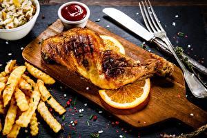 Hintergrundbilder Hühnerbraten Fritten Orange Frucht Gabel das Essen