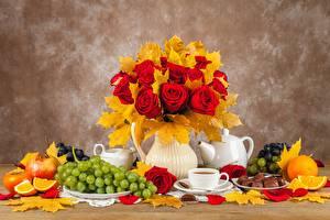 Hintergrundbilder Rose Herbst Stillleben Trauben Vase Blattwerk Blumen Lebensmittel
