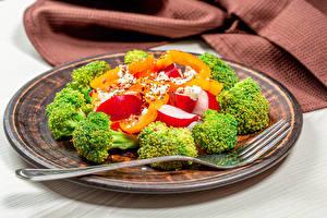 Hintergrundbilder Salat Gemüse Teller Essgabel das Essen