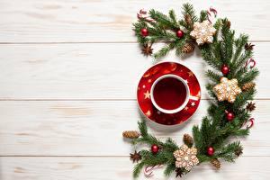 Bilder Tee Neujahr Tasse Kugeln Ast Zapfen Vorlage Grußkarte Bretter das Essen