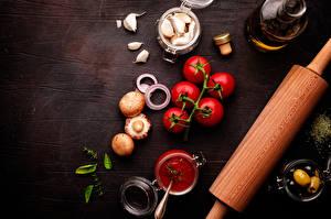 Bilder Tomate Pilze Knoblauch Oliven Gewürze Zucht-Champignon Ketchup Lebensmittel