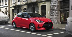 Fotos Toyota Rot Metallisch Hybrid Autos 2020 Yaris Hybrid Autos
