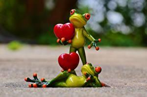 Desktop wallpapers Toy Frogs Heart 2 Lying down
