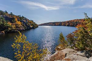 Hintergrundbilder USA See Wald Herbst Felsen Lake Minnewaska Gardiner new york