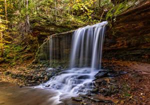 Hintergrundbilder Vereinigte Staaten Wasserfall Herbst Felsen Lost Creek Falls in Wisconsin