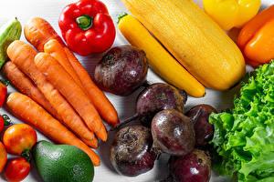 Fotos Gemüse Mohrrübe Paprika Rote Rübe Tomate das Essen