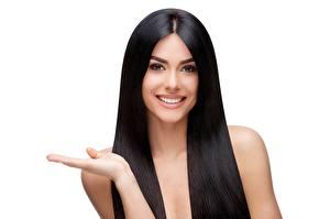 Hintergrundbilder Weißer hintergrund Haar Lächeln Schönes Starren Model Mädchens
