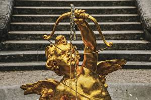 Hintergrundbilder Engeln Skulpturen Treppe Gold Farbe Bogen Waffen