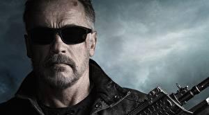 Bureaubladachtergronden Arnold Schwarzenegger Gelaat Bril Snor Terminator: Dark Fate film Beroemdheden