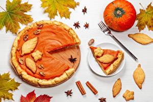 Bilder Herbst Obstkuchen Kürbisse Kekse Zimt Sternanis Blattwerk Stücke Gabel