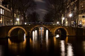 Hintergrundbilder Brücken Amsterdam Niederlande Nacht Kanal Straßenlaterne