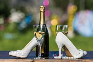 Fotos Champagner High Heels Flasche Weinglas das Essen