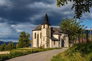 Hintergrundbilder Kirchengebäude Frankreich Saint Pierre d' Alvey, Savoie Natur