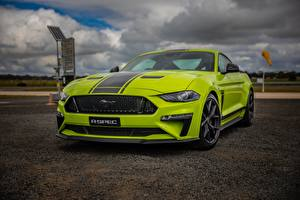 Fotos Ford Gelb grüne Mustang AU-Spec R-Spec 2019 Australia version automobil